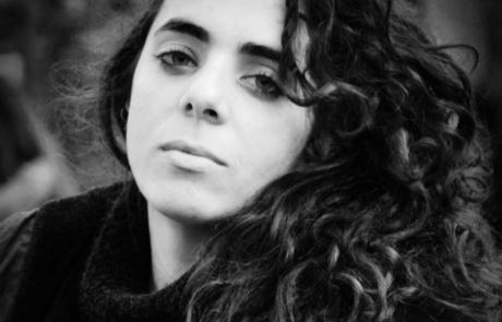 Retrato de Dania González Sanabria por Leo Juvier.